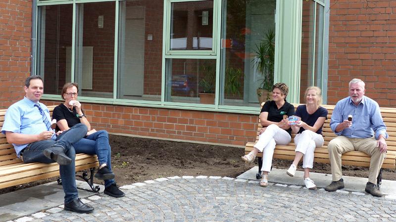 v. l.: Bürgermeister Grotendorst, Jutta Bonhoff, Ruth Beering, Sandra Lordieck und Hans-Dieter Wobbe.