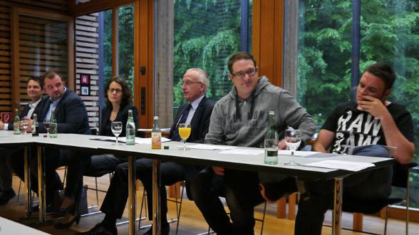 v. l.: Michael Schlüß, Jürgen Wachtmeister, Dr. Gerswid Altenhoff-Weber, Dr. Hubert Koch, Heiko Gudel, Philipp Holtschlag.