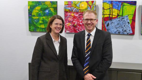 Die neuen Mitglieder des Stiftungsrats, Frau Birgit Romeiß-Geuting und Herr Michael Weddeling.