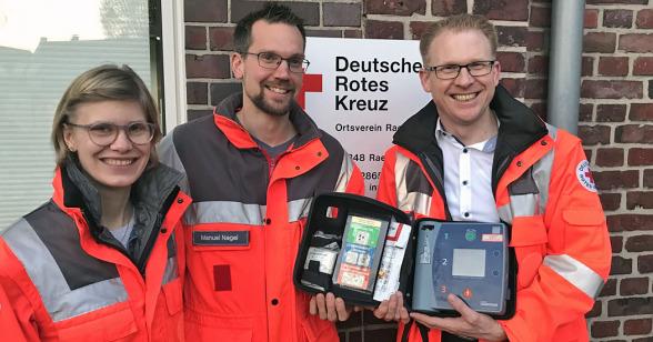 Ellen Küpper, Manuel Nagel und Michael Weddeling vom DRK Raesfeld führen Schulungen durch.