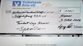 Der Scheck über 1.111 Euro